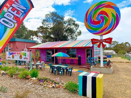 Proposed relaxation of development standards signage 89 Morgans Street Candy Shack - Yummylicious_2019
